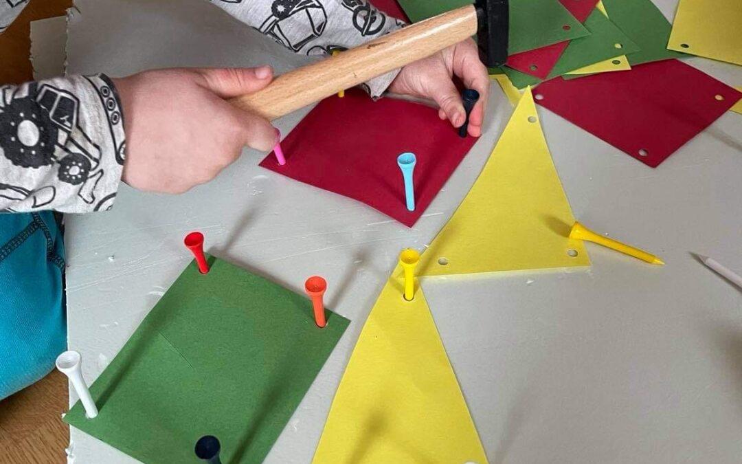 DIY zatloukací hra